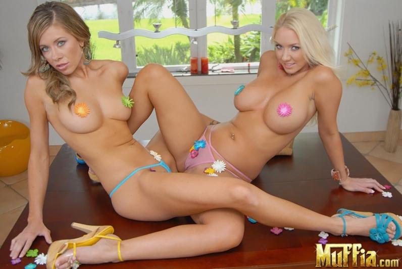 Голая жопа пышной порно звезды Molly , смотреть фото #10: http://eronrg.com/golaja-zhopa-pyshnoi-porno-zvezdy-molly-16-foto-10.html