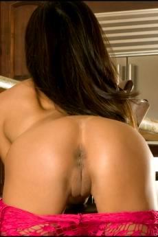 Элегантная голая азиатка с огромными дойками (12 фото)
