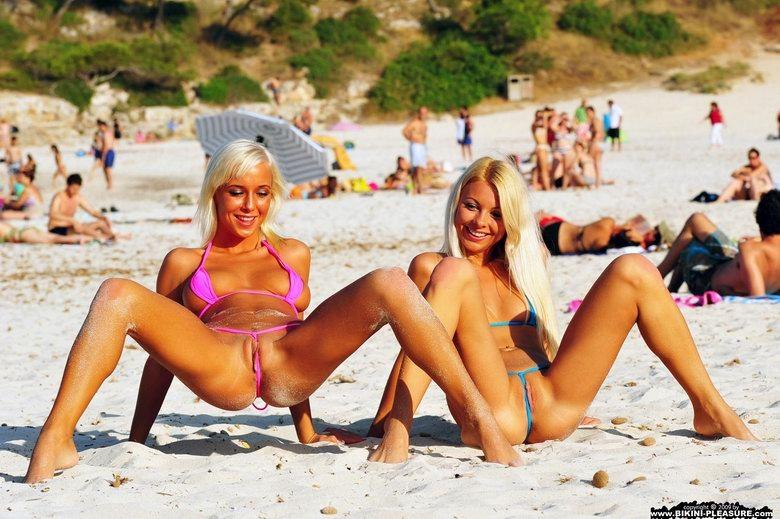 частно фото студенток в мини стрингах на пляже