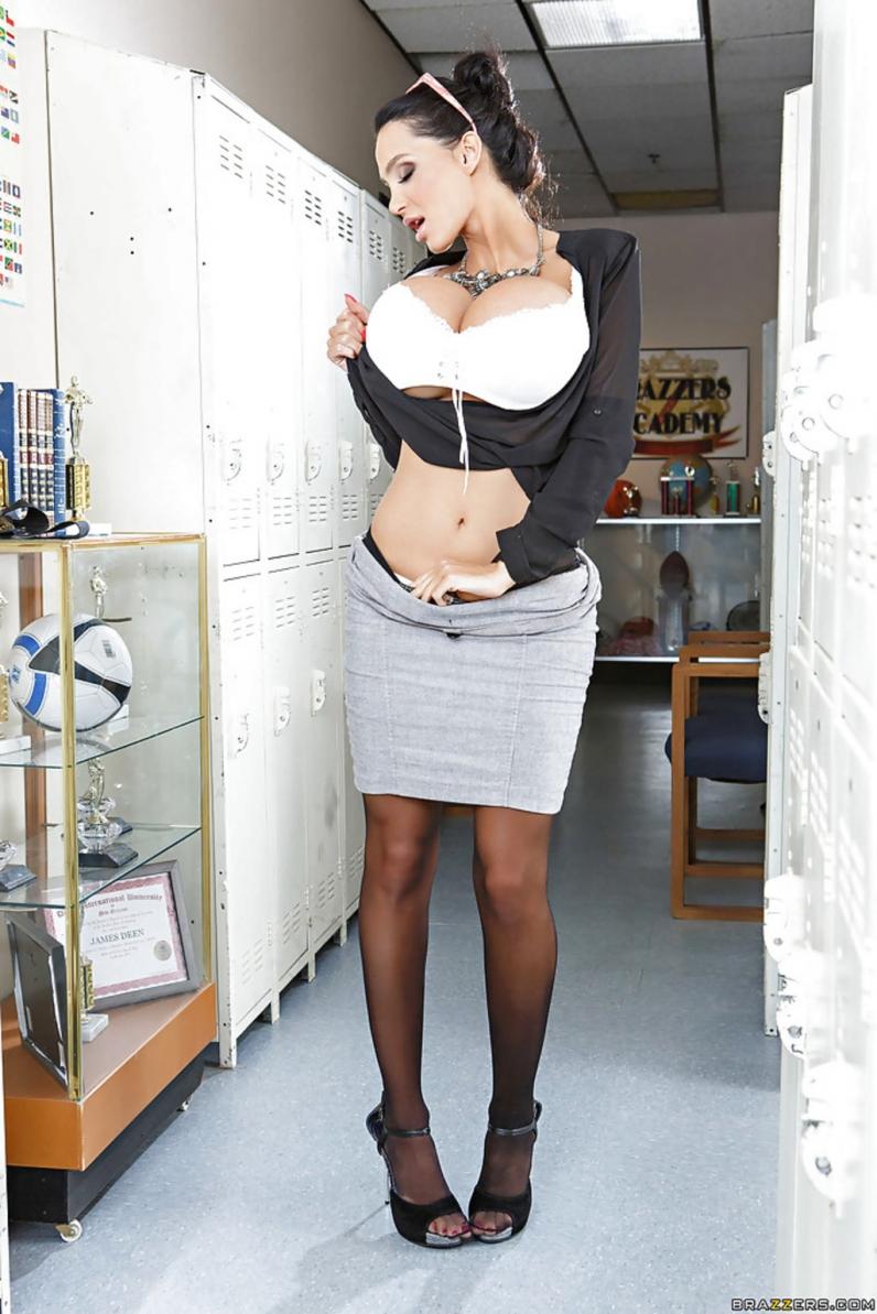 Эми андерсен громадные сиськи её солло 15 фотография