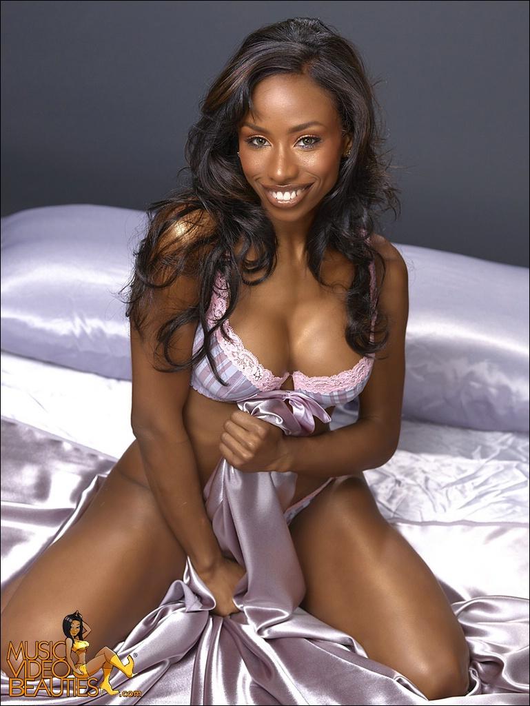 Негритянки в сексуальном белье фото 758-960