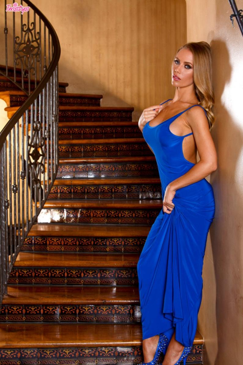 Проститутка в платье фото 427-330