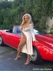 Длинноногая блонда Шейла голая у красного авто (17 фото), фото 11