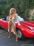 Длинноногая блонда Шейла голая у красного авто (17 фото), фото 12