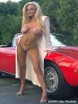 Длинноногая блонда Шейла голая у красного авто (17 фото), фото 13