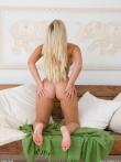 Приятное натуральное тело голой белокурой девушки (12 фото), фото 6