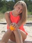 Сочная песочная красотка в пышными прелестями, фото 1