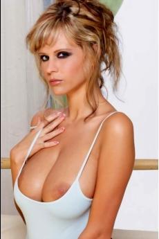 Большие сиськи актрисы блондинки