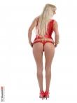 Стрип сладкой блонди в просвечивающем красном белье. Дерзкие и упругие титьки длинноногой., фото 7