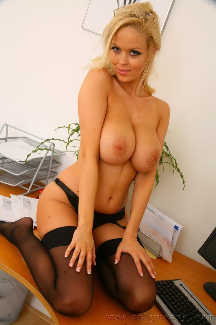 любовь фото красивых проституток с шикарными дойками электрик