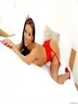 Желанная азатка в очказ светит попку в красном белье, фото 4