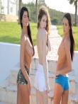 Эффектное зрелище трех аппетитных и свежих моделей голышом на природе, фото 7