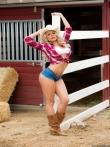 Роскошная масляная жопа девушки-ковбой, фото 1
