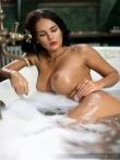 Красивые мокрые дойки Kendra Roll, фото 5
