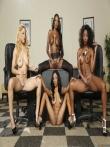Парад голых негритянских попок от аппетитных секретарш в чулках (21 фото), фото 19