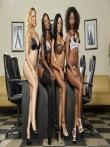 Парад голых негритянских попок от аппетитных секретарш в чулках (21 фото), фото 6