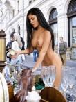Длинноногая азиатская девушка голышом в публичном месте тискает сиськи с темными сосками, фото 10