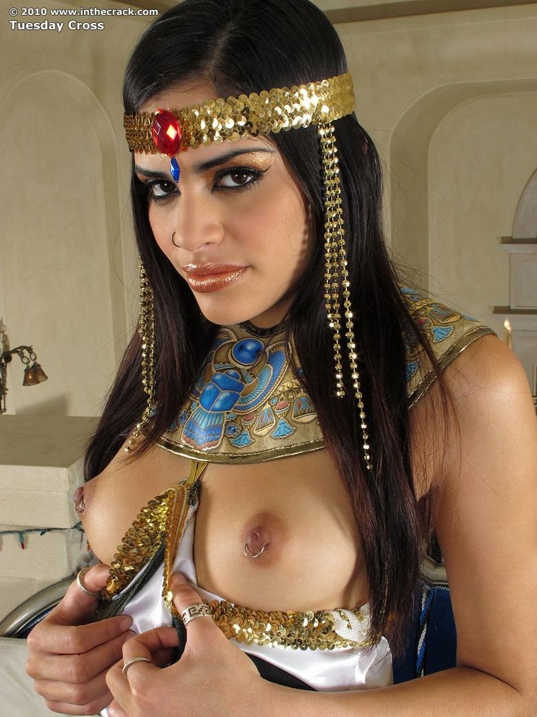 golie-devushki-egipta-foto