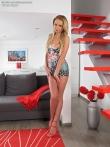 Ivana Sugar раздвигает длинные ноги с каблуками растягивает попу для розового дилдо, фото 2