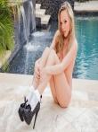 Эротические истории у бассейна, фото 5