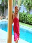 Позиция раком от страстной блондинки в розовом, фото 1