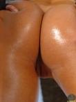 Блестящая задница в масле горячей латинки (16 фото), фото 14