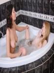 Голые евромодели в ванной, фото 12