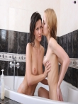 Голые евромодели в ванной, фото 30