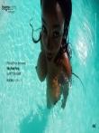 Красивая негритянка с огромными натуральными сиськами под водой, фото 8