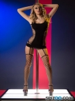 Сексуальная стриптизерша на каблуках снимает трусики с гладкой киски, фото 1
