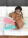 Гибкая негритянка Brittney White с косичками голышом без трусов забрасывает ноги за голову показывая черную письку под юбкой, фото 5