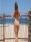 Пляжные фото на которых баба оголяется снимая бикини с больших сисек и жопы, фото 7