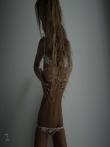 Девушка с красивой спортивной фигурой в просвечивающим нижнем белье, фото 5