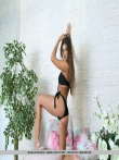 Красивая голая попка модели в бикини, фото 4