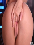 Lucy Li с косичкой задирает майку над большими голыми титьками и раздвигает губки гладкой письки, фото 19