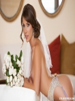 Стриптиз голой невесты в праздничном нижнем белье и чулках, фото 17