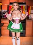 Katie Banks грудастая шлюшка с косичками в сексуальной униформе, фото 7
