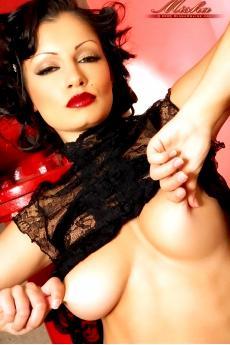Гламурная голая девушка Aria Giovanni (18 фото)