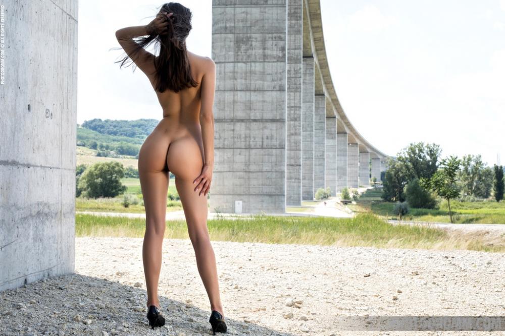 Mareeva Ass Long Legs Heels Tann Palmtube 1