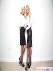 Две грудастые порнозвезды снимают строгую офисную форму секретарш с длинными юбками и позируют голышом большими жопами в сетках, фото 1