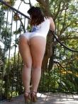Большая голая жопа в бикини крупным планом, фото 10