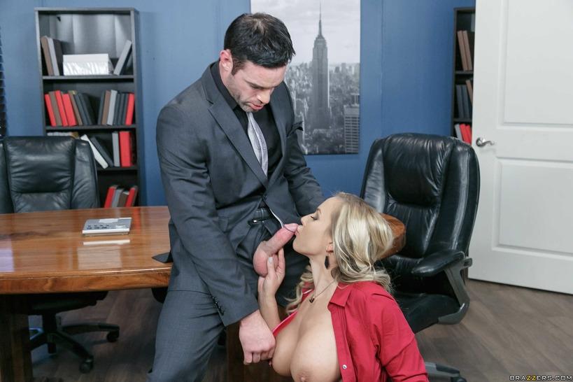 секретарша начальник и чёрная порно