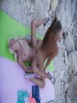 Худые красотки с косичками голышом на природе, фото 13