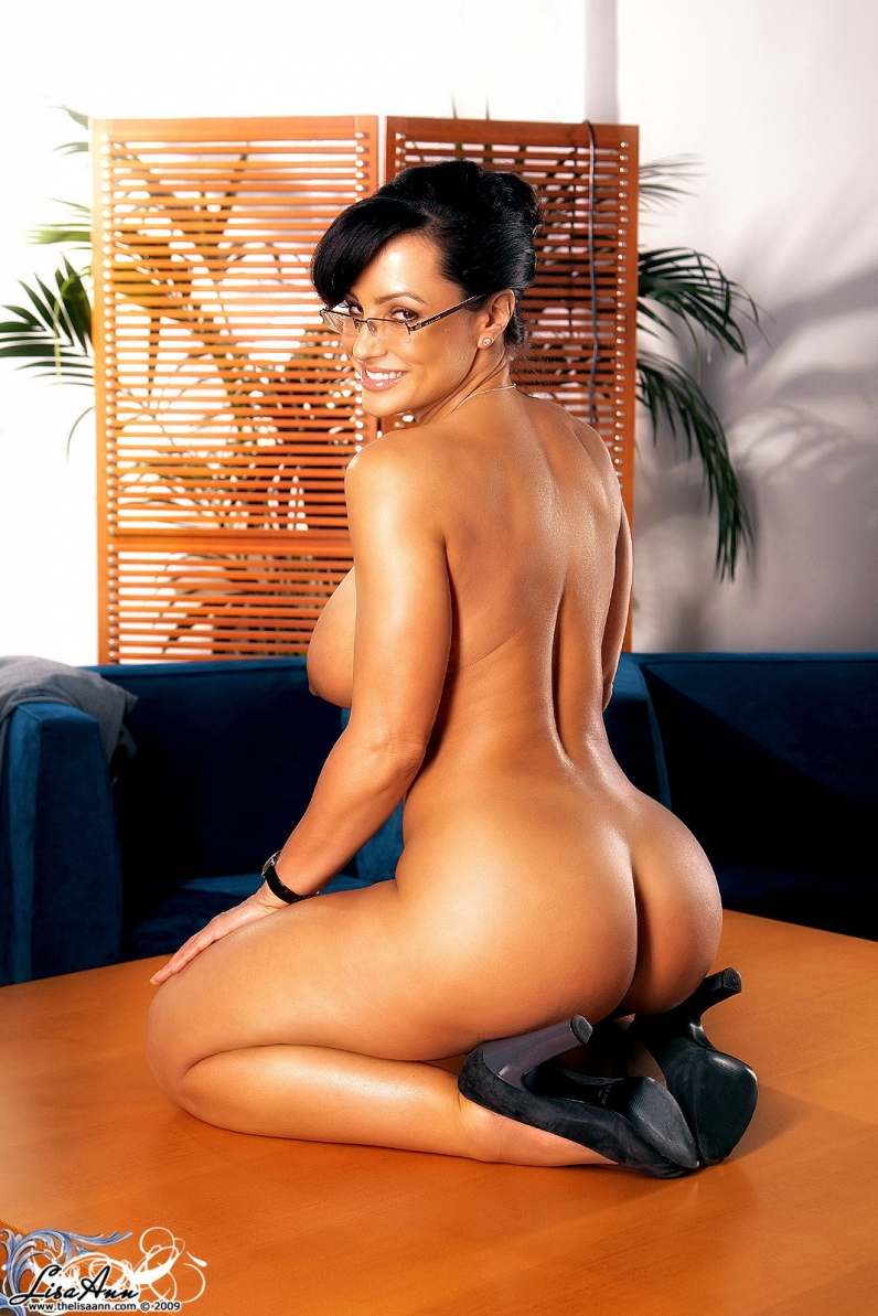 Секретарша голая