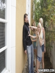Мужик публично отъебал трех девок на улице, фото 5