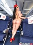Сочная задница под юбкой стюардессы, фото 11