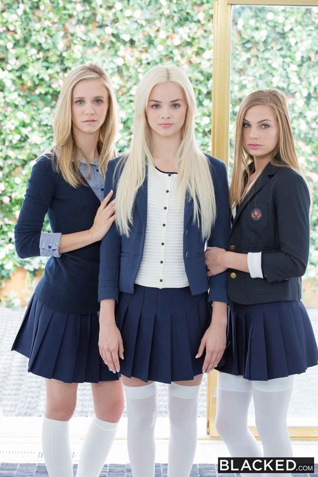 Негры выебали трех блондинок из универа
