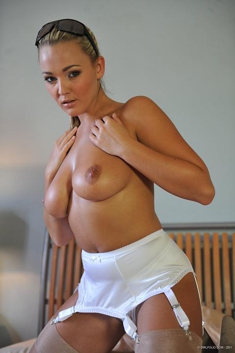 Джоди и ее большие голые сиськи