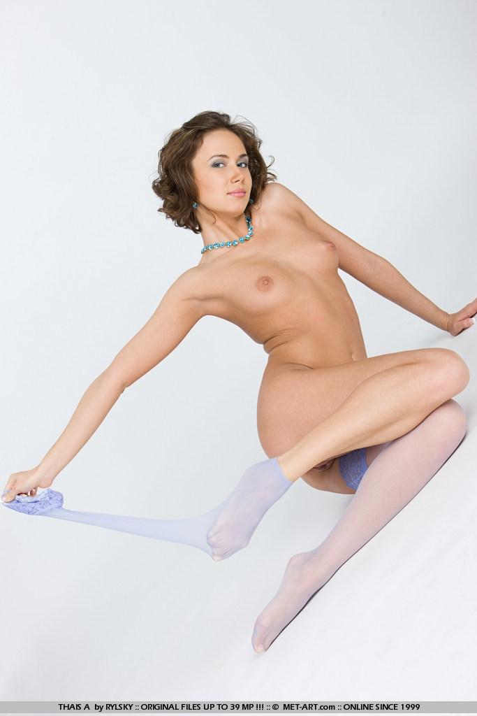 девушка гимнастка и на улице фото