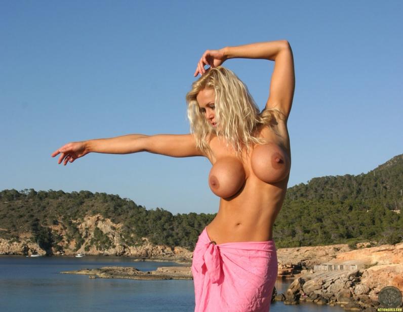 блондинки сиськи фото